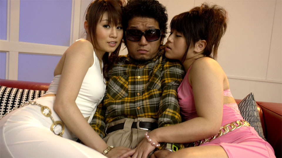 Hot Japanese honeys share a schlong