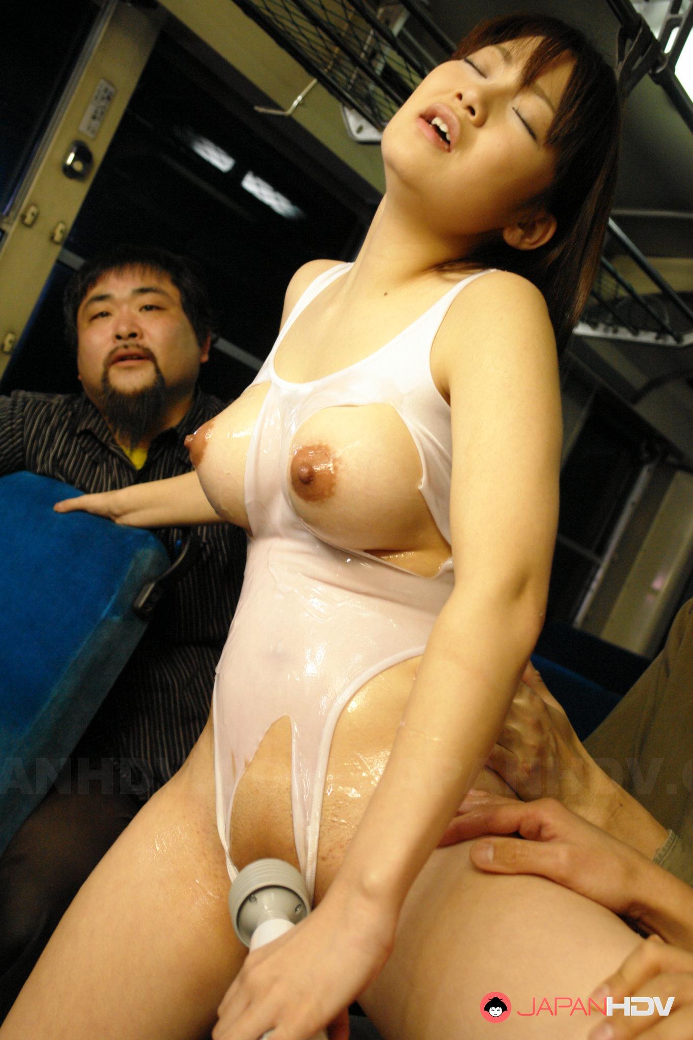 Встал взял порно автобус японцы