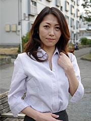 Pretty japanese milf noriko sudo shows her sex appeal outdoors. Nice Japanese MILF Noriko Sudo shows her sex appeal outdoors Read more!