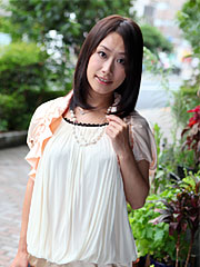 Petite japanese cutie yayoi yanagida in a excited dress shows her body. Elegant Japanese cutie Yayoi Yanagida in a libidinous dress shows her body Read more!