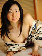 Emiko koike teases with her sleeping robe on the bed for the camera.    Emiko Koike teases with her sleeping robe on the bed for the camera Read more!