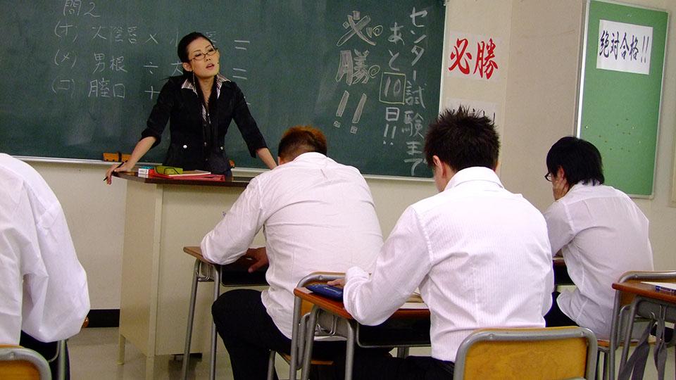 Asian teacher sucks a hard cock