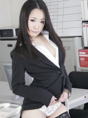 Tiny babe ai mizushima showing off her sexiness in the office. Divine babe Ai Mizushima showing off her sexiness in the office Read more!